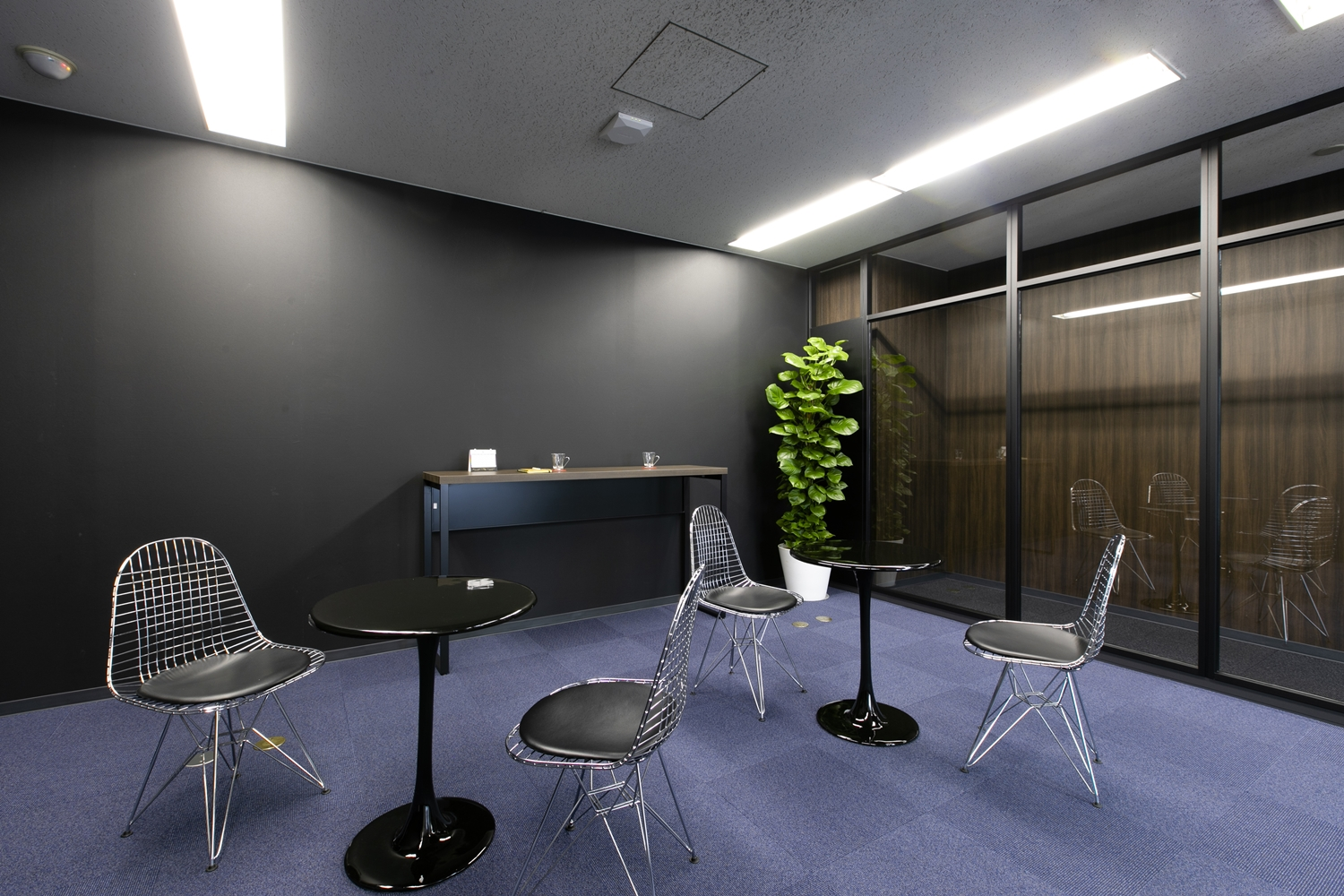 Refresh Room (Lounge) at Roppongi