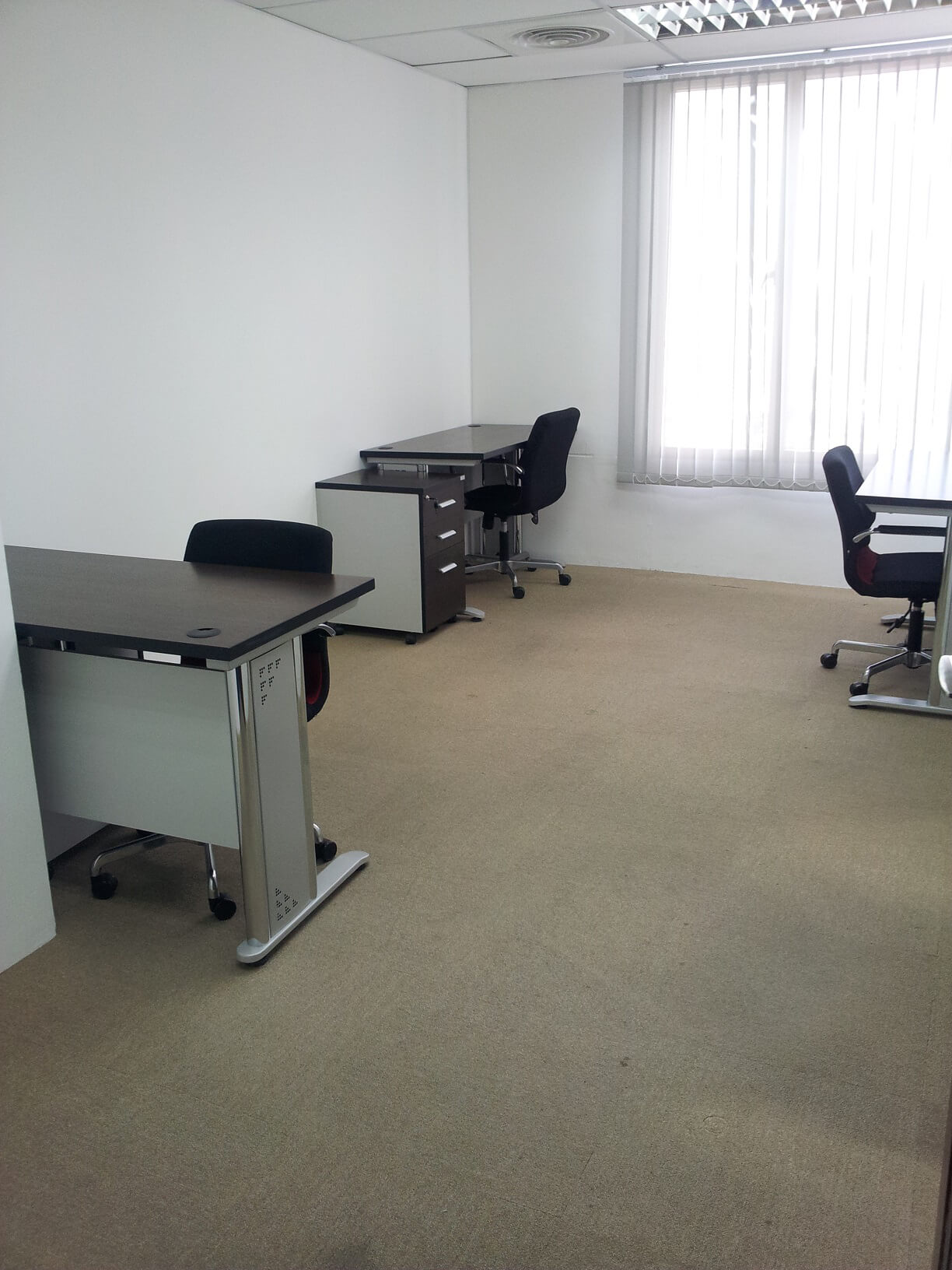 Fully Furnished And Equipped Private Office We Provide Offices That Can Accommodate From 1 To 9 Persons Furniture Layout May Be Modified